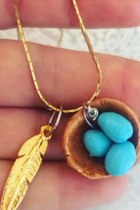 Bird Nest Clay Necklace, with feather Charm bird nest necklace, mother necklace, mom gift, mom necklace, family necklace, christmas